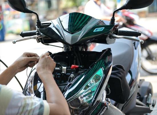 Các bước lắp gps xe máy