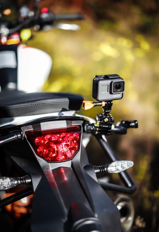Camera xe máy cần được gắn chân đế chắc chắn